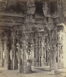 Ruins of Vijianuggur [Vijayanagara] near Humpee [Hampi]. The Vigiavittaldover or temples near the River Tumboodra [Tungabhadra]. Interior of the large temple